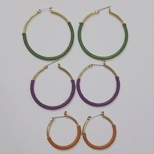 3 Pairs of Earrings Gold tone/Multi-color